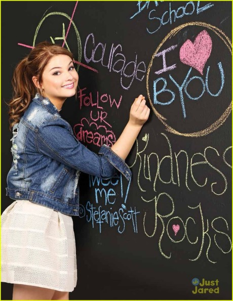 stefanie-scott-byou-fall-2013-04