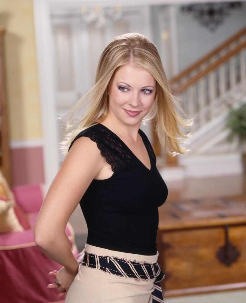 Sabrina-Season-7-Promo-melissa-joan-hart-2011852-812-1000