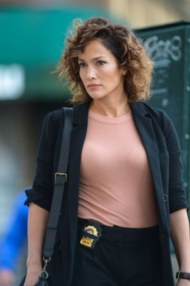 jennifer-lopez-on-the-set-of-shades-of-blue-in-new-york-09-23-2015_1